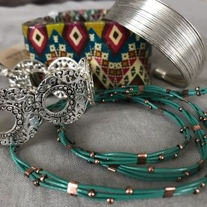 Jewelry - Lot of 4 Boho Bracelets
